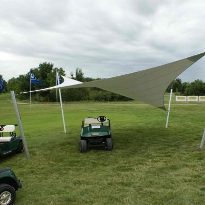 Design zonnezeil bij golfclub - Texstyleroofs