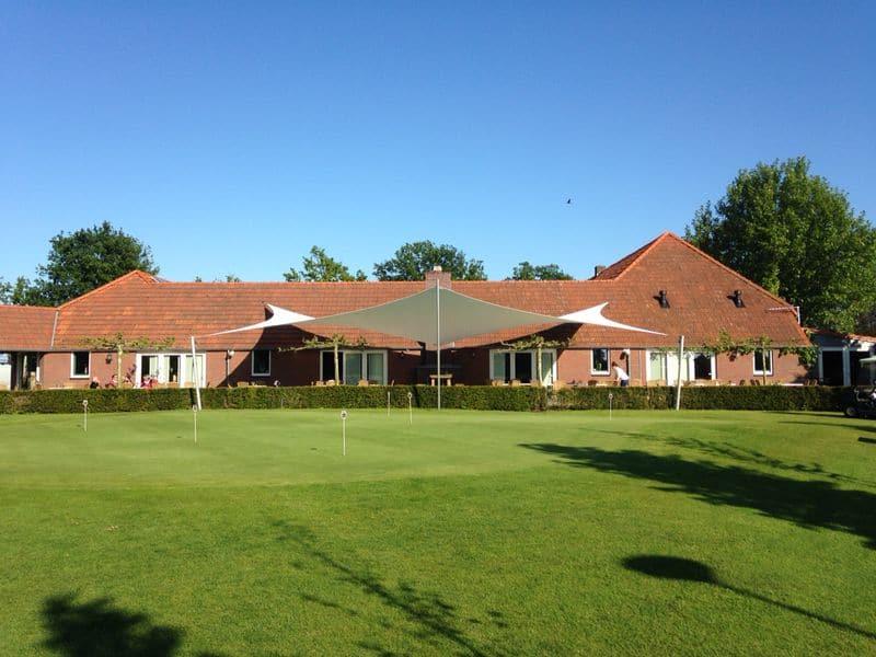 terrasoverkapping-design-bij-golfclub