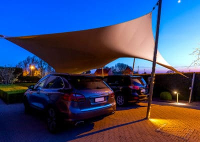 De carport met zeildoek van Texstyleroofs, wordt volledig op uw maat ontworpen.