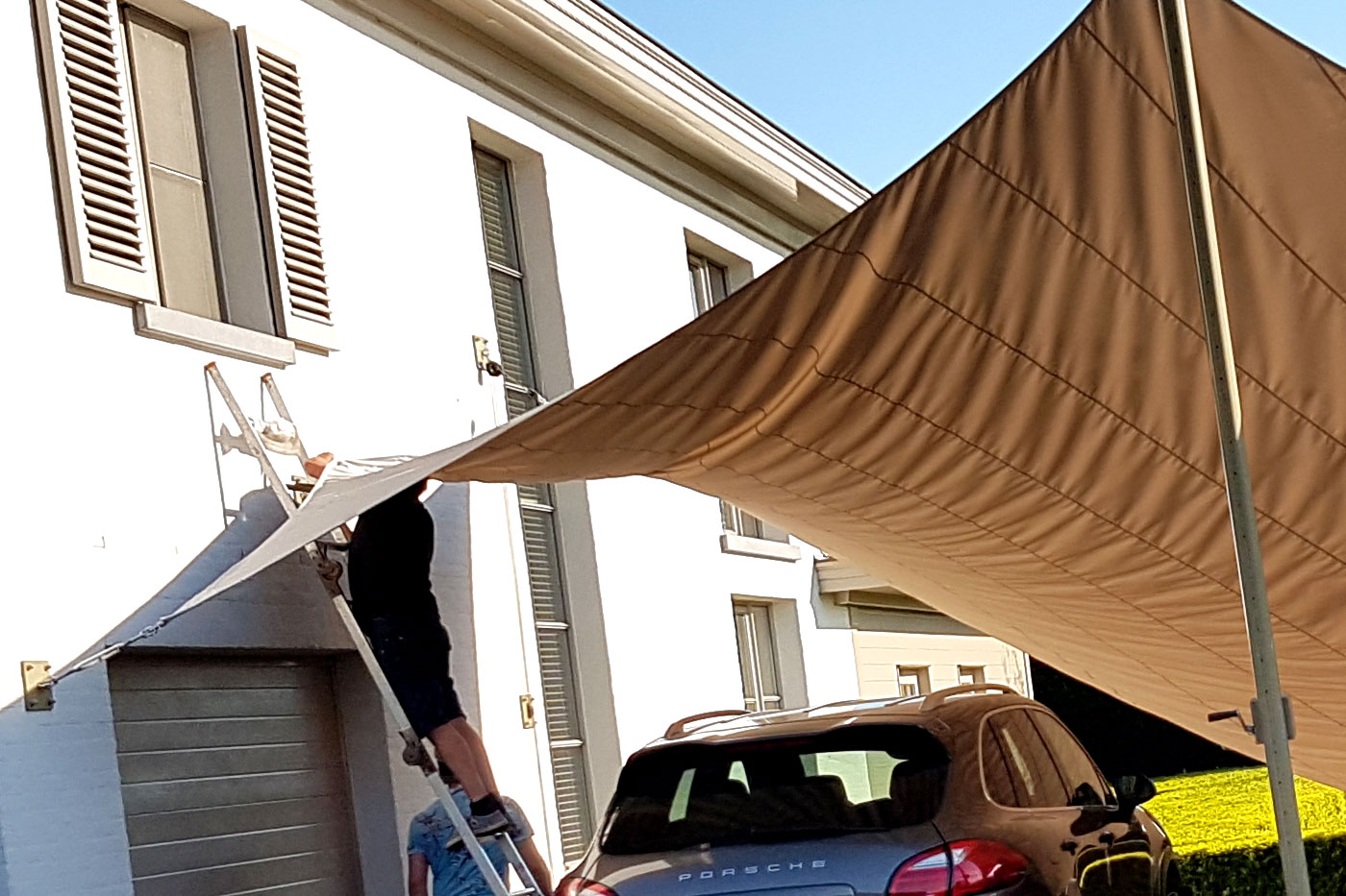 Installatie Texstyleroofs zeildoek carport