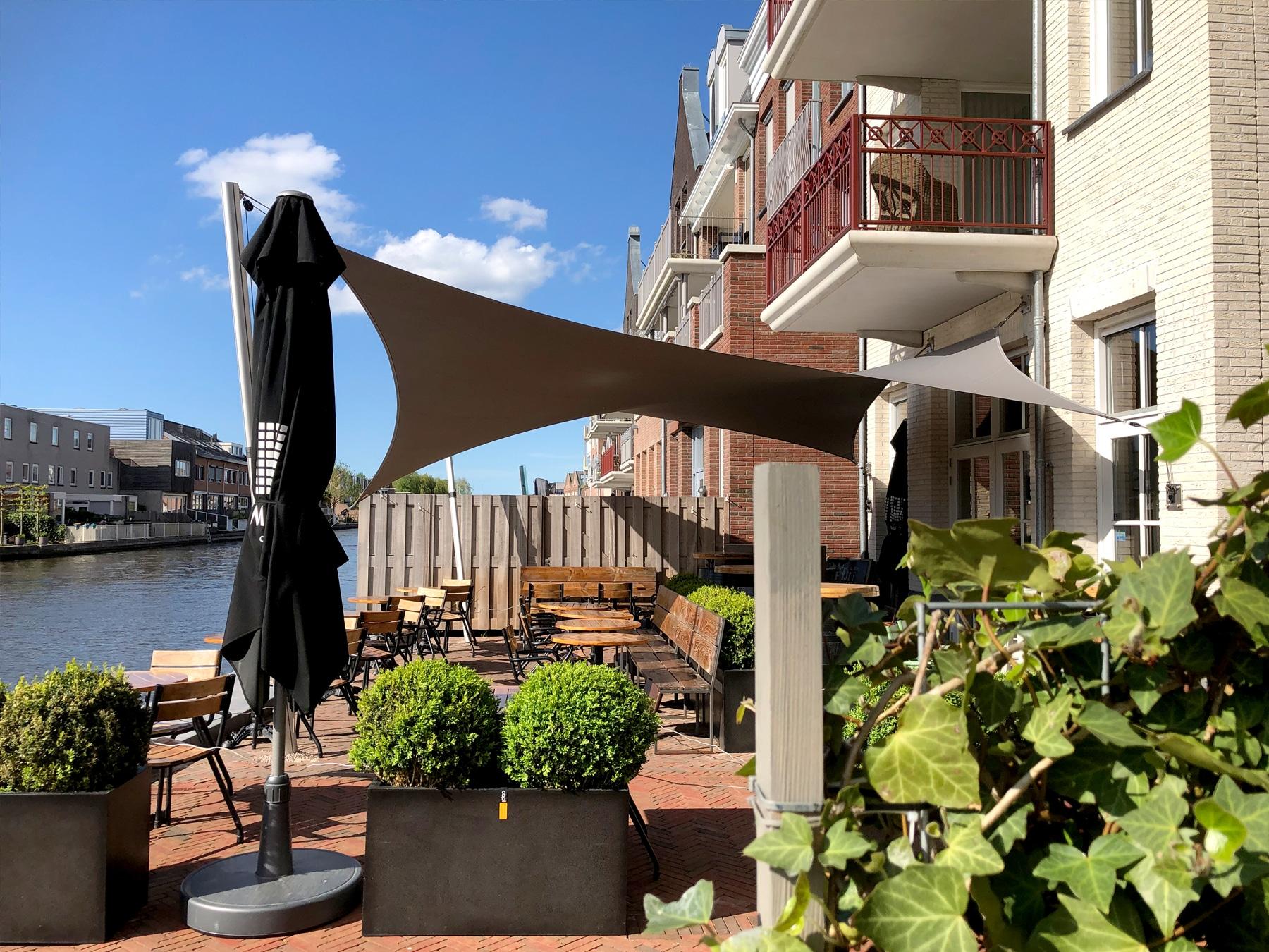 texstyleroofs-horeca-terras-overkappingen-op-maat-ontworpen-stormvast-zonder-vergunning-zonnezeil