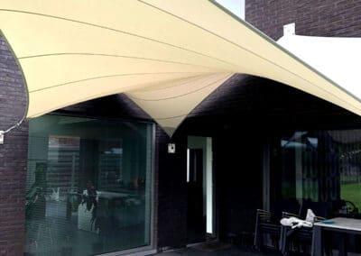 Lightgewicht membraan Architectuur als terrasoverkapping